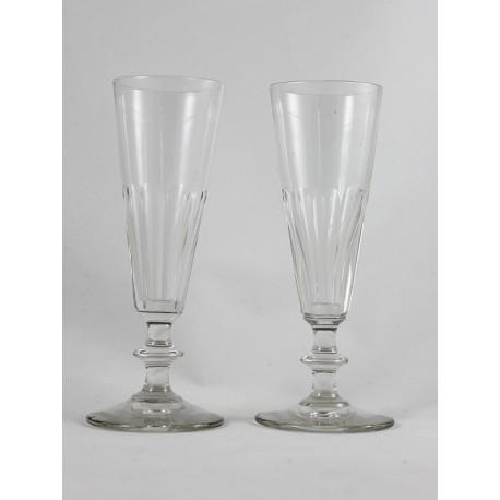 Paar Champagnerflöten