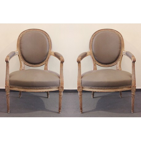 Pair of Medallion-Fauteuils