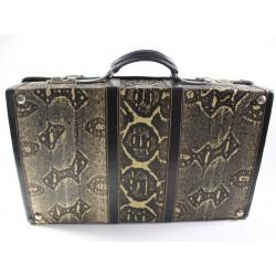 Koffer aus Schlangenleder