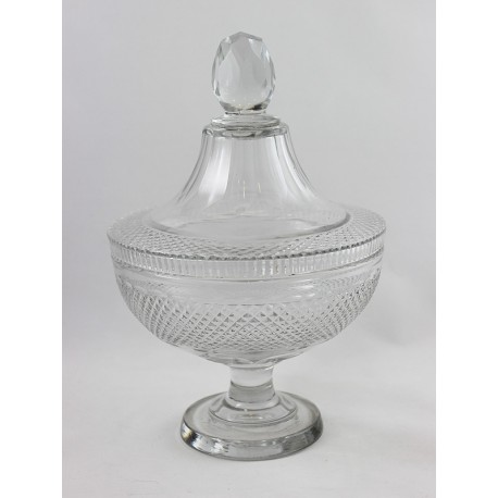 Voneche-Crystal Bowl with Cover